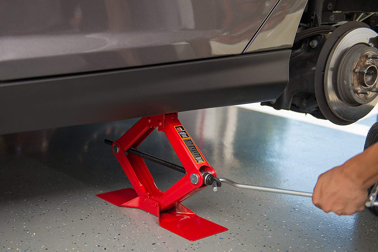Lift up your vehicle in a time of need with the very best roadside car jack.