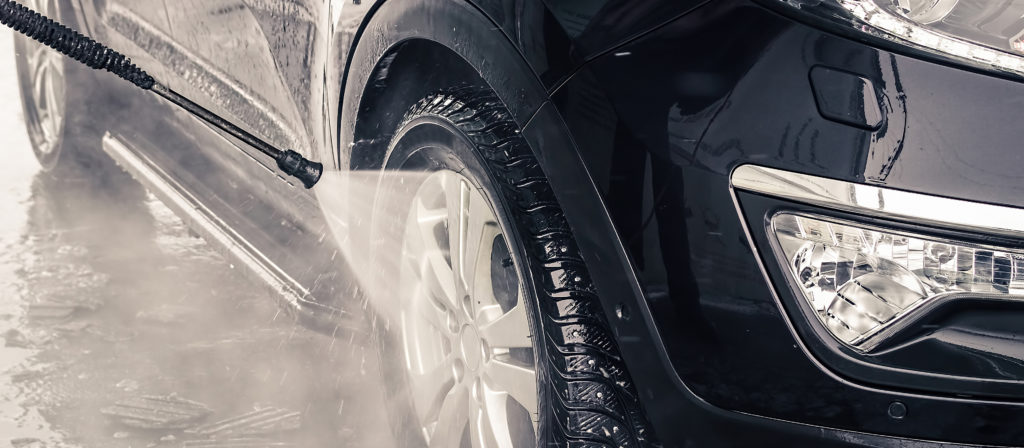 Thoroughly clean your vehicle while washing a new car for the first time!